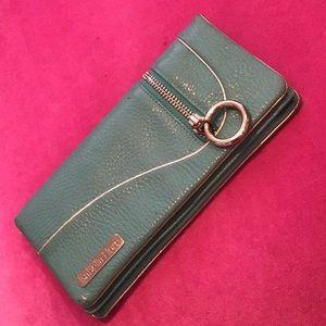 Handbags - Isabella Fiore wallet🌹